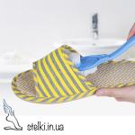 Двусторонняя щеточка с длинной ручкой для чистки обуви и подошвы